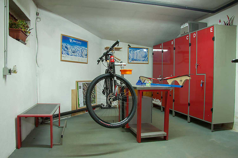 Deposito sci | Li Pont | Prenota il tuo appartamento in affitto a Livigno